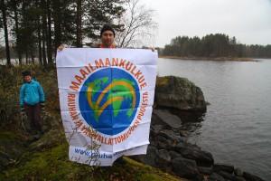 """Sur l'îlot fraîchement déclaré """"zone internationale de paix et de nonviolence"""""""