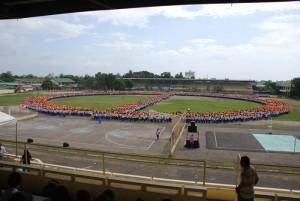 Le plus grand signe de paix jamais réalisé, 12'000 étudiants!